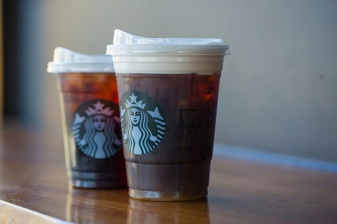 Here's how Starbucks could eliminate 1 billion plastic straws a year