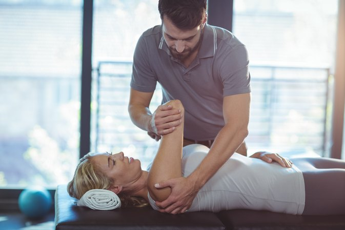 Rehabilitation With a Personal Trainer vs. Physical Therapy