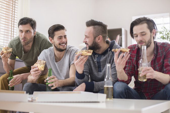 The Scientific Reason Why You Eat WAY More Around Other Guys