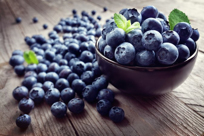The Nutritional Value of Fresh Vs. Frozen Blueberries