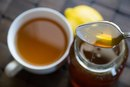 How to Sweeten Tea With Honey
