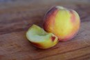 How Do You Keep Peaches From Turning Brown When Peeling & Slicing Them?