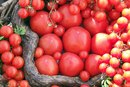 What Non-Citrus Fruits & Vegetables Contain Vitamin C?