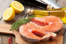 How to Marinate Salmon in Red Wine