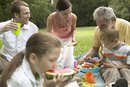 Outdoor Games to Play at a Picnic