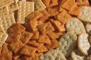 Crackers Made With Red Pepper & Italian Dressing Mix & Vegetable Oil