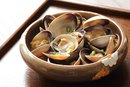 How to Cook Clams in the Shell