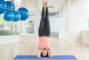 The Benefits & Risks of Yoga Handstands & Headstands