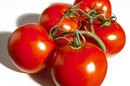 How to Get Rid of Blackheads With Tomatoes