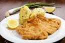 How to Use Cornstarch to Make Breaded Cutlets