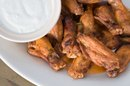 How to Bake Chicken Wings in the Oven With Ranch Dressing