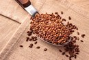What Is the Difference Between Flaxseed & Wheat Germ?