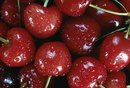 Signs & Symptoms of Allergy to Cherries