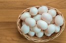 How to Treat an Allergic Reaction to Eggs in an Infant