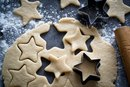 How to Decorate Cutout Cookies With an Egg Wash