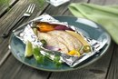 How to Cook Fish in Foil Packets in the Oven