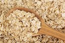 Can You Use Oatmeal to Remove Blackheads?