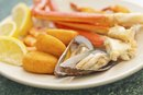 Do Seafood Allergies Cause Stomach Cramps?