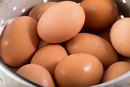 Are Eggs OK to Eat on a Yeast-Control Diet?