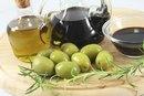The Calories in Balsamic Vinegar Salad Dressing