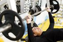 Pros & Cons of a Decline Bench Press