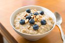 A List of Foods High in Fiber for Improving Cholesterol
