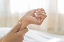 Causes of Arm Pain Between the Wrist and Elbow
