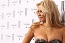 Sobriety and Weight Gain: What We Can Learn From Jenna Jameson's Experience