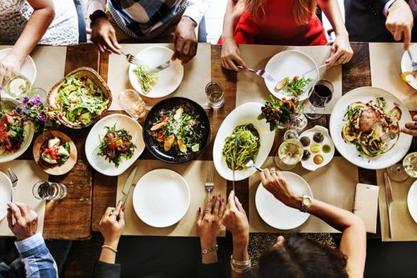 The 6 Tricks Restaurants Use to Make You Eat More