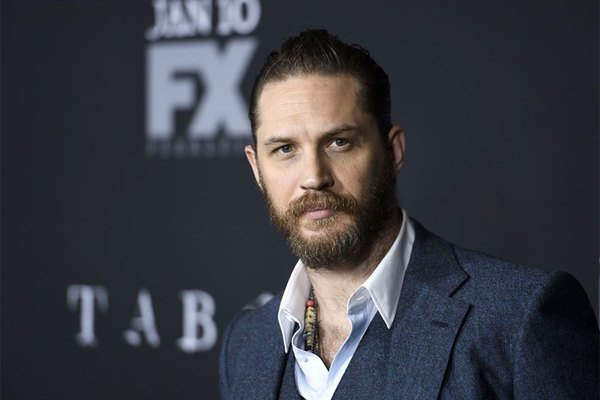 Tom Hardy in Serious Beast Mode While Training