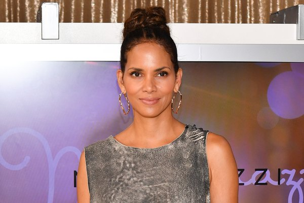 Here's what Halle Berry eats every day on the k...