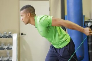 How to Work Out the Triceps With Stretch Cords