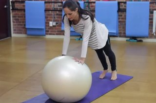 The Differences Between a Stability Ball & Yoga Ball