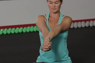 How to Keep Wrists From Hurting During Yoga