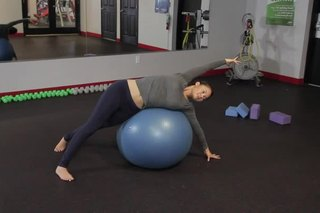 Stretches of the Quadratus Lumborum With a Therapy Ball