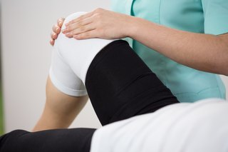 How to Tell if You Strained Your Knee