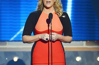 Trisha Yearwood Loses 20 Pounds, and Is It Safe to Eat From a Food Truck?