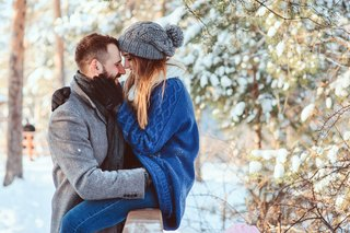 Singles Are Already Planning Their Hometown Holiday Hookups