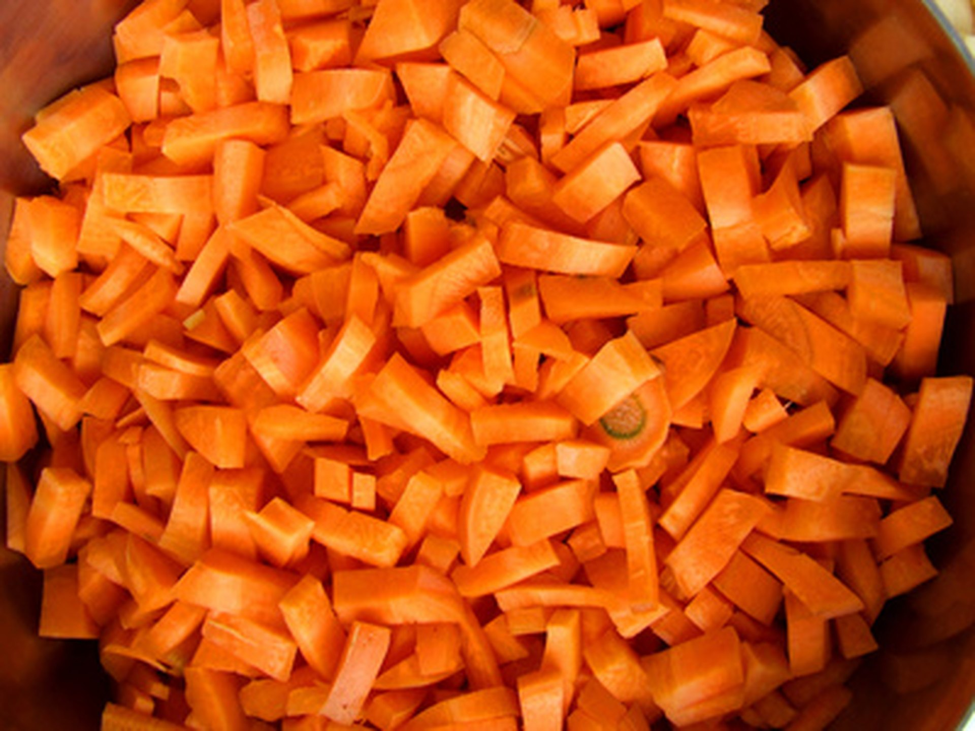 Calculate caloric content: carrots - a dietary product 56