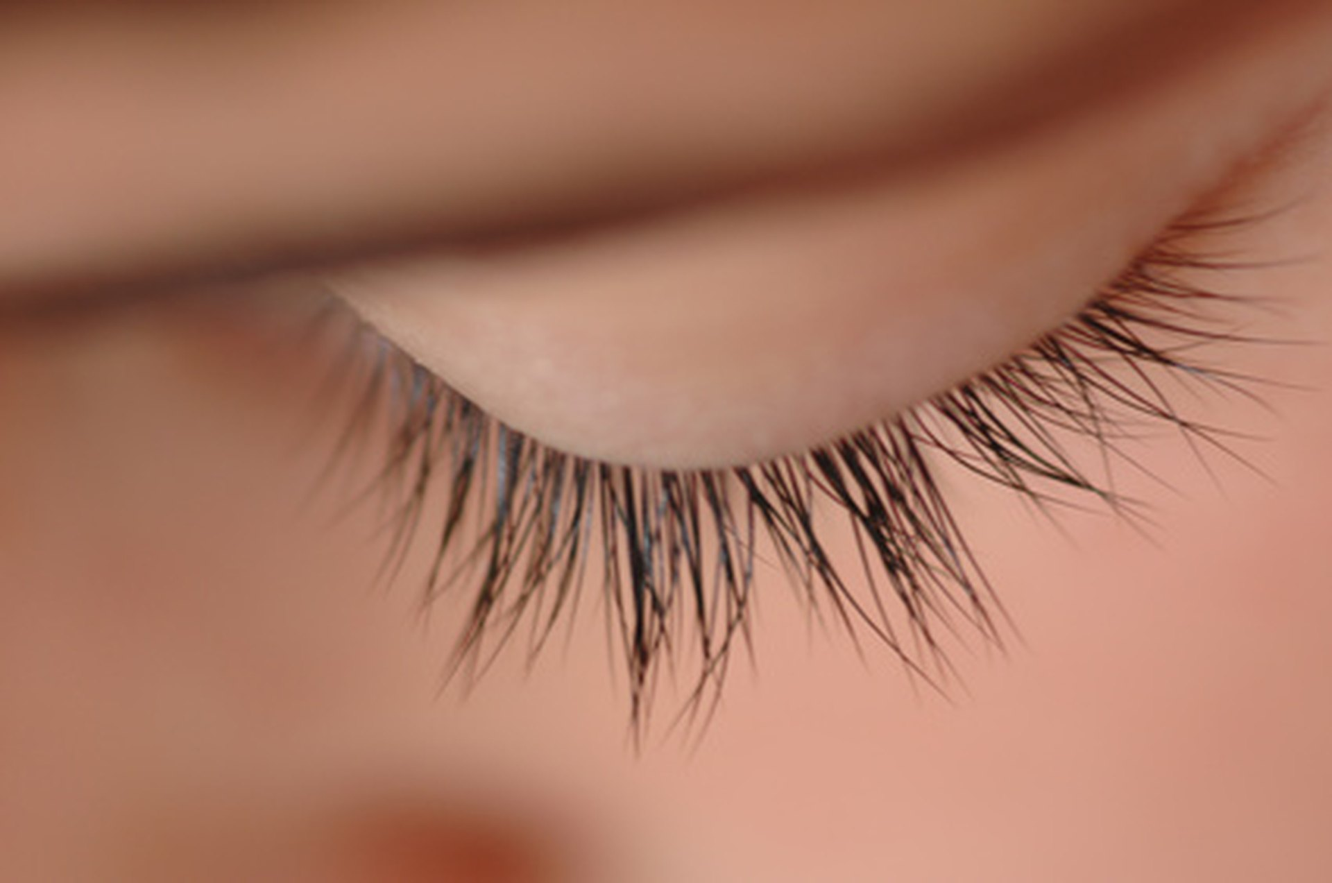Natural Ways To Make Eyelashes Grow Livestrong