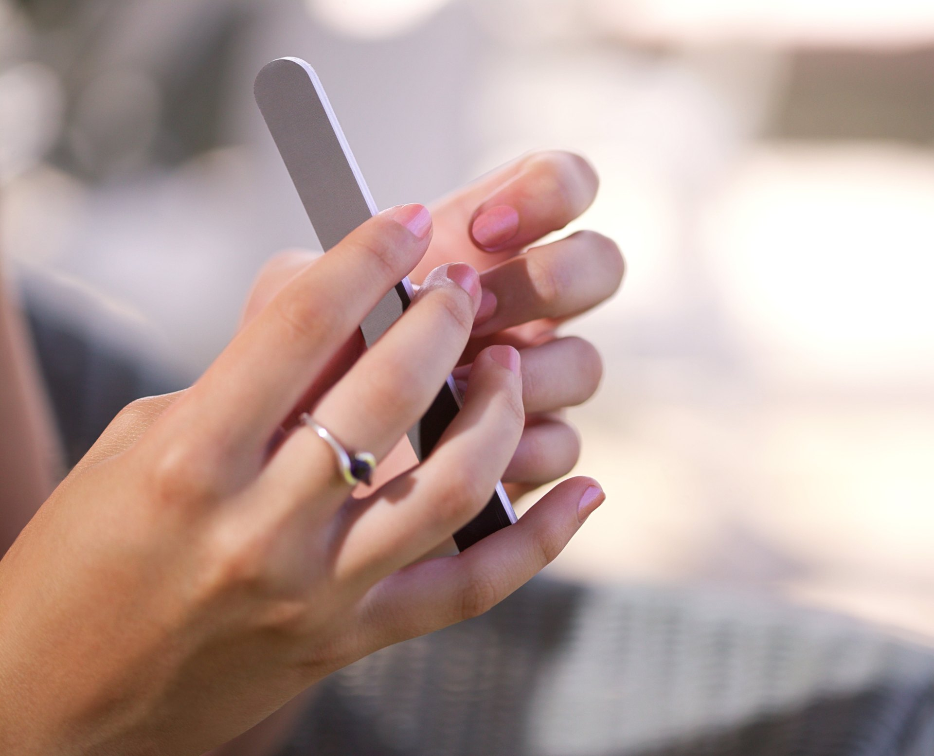 How to Treat Split Nails | LIVESTRONG.COM