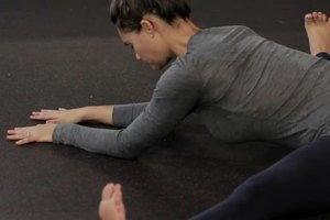 stretches that help middle splits  livestrong