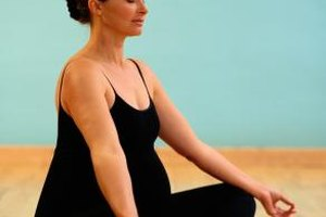 the 5 best yoga poses for pregnancy and 4 to avoid