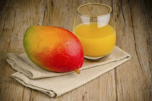 What Are the Health Benefits of Mango Juice?
