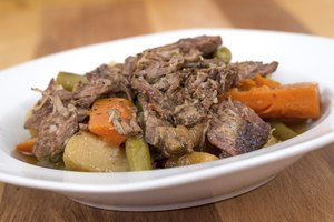 How to Cook Beef Sirloin Roast with Potatoes and Carrots