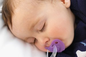 When to Replace Your Baby's Pacifiers