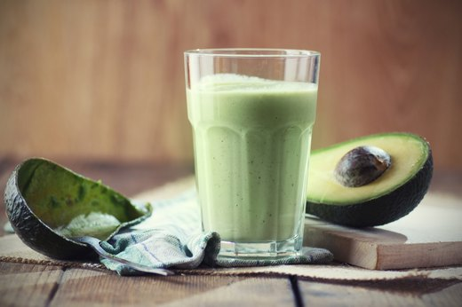 7. Avo-Coconut Berry Smoothie