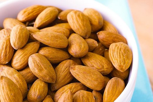 15. Almonds (1 Ounce): Approximately 8.9 Grams of Good Fat