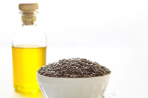 7. Flaxseed Oil (1 Tablespoon): Approximately 2.5 Grams of Good Fat
