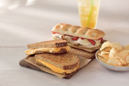 9. Instead of a Turkey Pesto Panini, Go for the Turkey and Swiss Bistro Box